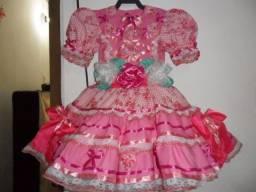 Vestidos e roupas para  Festas Juninas,produtos novos.