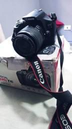 Título do anúncio: Câmera DSLR Canon Rebel T6 + SD 32GB.