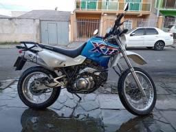 Yamaha XT 600 valor $ 10.500 AC troca por comby