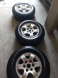 Título do anúncio: Rodas de S10 com pneu.