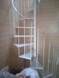 Título do anúncio: Escada caracol ?