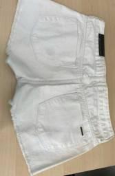 Título do anúncio: Bermuda jeans Calvin Klein e Jhon Jhon