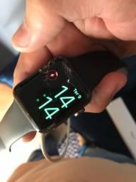 Relógio Apple Watch Series 3 38mm (tela quebrada)