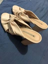 Título do anúncio: Vende se sandália sapatinho de luxo
