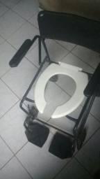 Título do anúncio: Vendo cadeira de banho