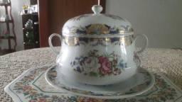 Título do anúncio: Sopeira de porcelana portuguesa