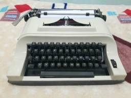 Máquina de escrever Remington Ipanema