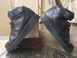Tênis Nike Air Force 1 (cano alto)