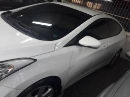 Hyundai Elantra 1.8 GLS 2013 - 2013