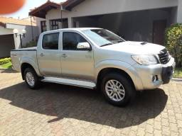 Toyota hilux srv 2015 top - 2015