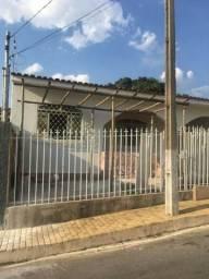 Alugo casa de 2 quartos, bairro santo antônio pará de Minas