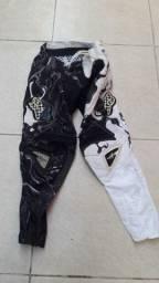 Calça Fox 360 preta e branca