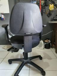 Cadeira escritório FlexForm Semi nova (Cadeira Plus Onix Black)
