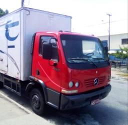 Caminhão Mercedes acello 2006