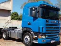 Conjunto Scania e caçamba