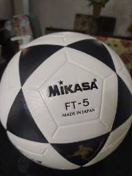 Título do anúncio: Bola futevôlei Mikasa FT-5 (Importada) Nova