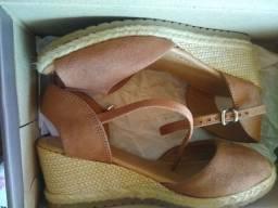 Sandália de salto bebece