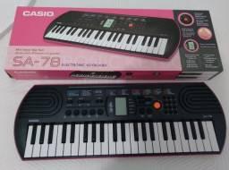 Teclado infantil Casio SA 78  44 teclas 50 ritmo 100 sons na cor rosa novo