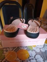 Vendo uma sandália nova nunca foi usada tamanho 38