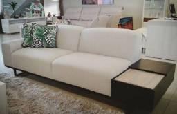 Confortável Sofá com Gaveteiro, Funcional e Design Moderno.