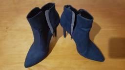 Título do anúncio: Vendo bota cano curto cor azul salto fino