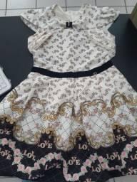 Vestido infantil usado 2 vezes novo veste 8 a 10anos