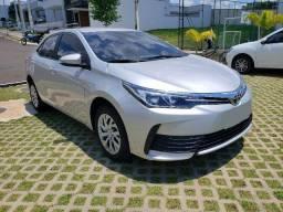 Toyota Corolla GLI 1.8 automático CVT prata 2019