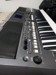 Teclados Yamaha PSR s670