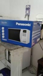 Vendo microondas na caixa nunca foi usado . preço:300reais