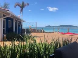 Casa pé na areia com a melhor vista para o mar do Campeche