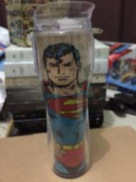 Copos do batman e superman