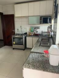 Alugo mega apartamento / mobiliado