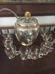 Poncheira com concha e 9 xícaras