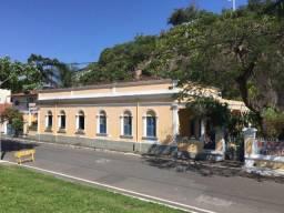 Murano Imobiliária aluga Casa Comercial no Centro de Vila Velha - ES.