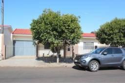8032 | Casa para alugar com 3 quartos em CENTRO, MANDAGUAÇU