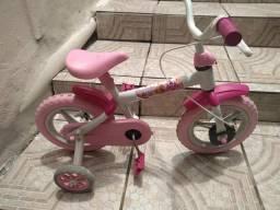 Bicicleta infantil semi nova 100.00 reais ZAP *