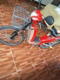 Vendo bicicleta eletrica, nova, alguns meses de uso. Valor $2200