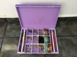 Caixa decorativa com bijuterias