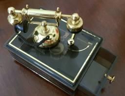 Caixa de Música Antiga com telefone Anos 90