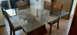 Mesa de cozinha ou varanda.