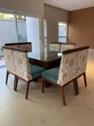 Jogo mesa de vidro com 08 cadeiras