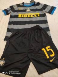 Camisa e bermuda - Uniforme completo Inter de Milão P