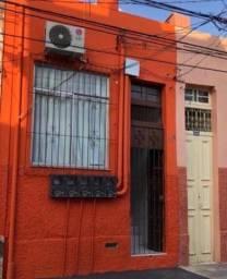 Alugo Kitnet no centro de Belém.