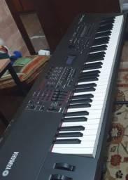 Teclado Sintetizador Yamaha S7 XS