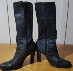 Título do anúncio: Vendo bota preta cano longo com salto médio