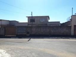 2 Casas - Predinho Inteiro no 1º de Maio em Ouro Branco-MG