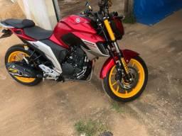 Vendo ágil de moto FAYZER 2020 com 4 MIL KM .