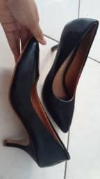 Vendo scarpin preto