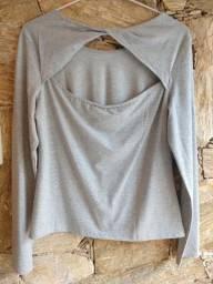 NOVA- Blusa G, lurex, manga longa, cinza/prata - detalhe nas costas