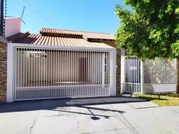 Título do anúncio: Casa para venda com 250 metros quadrados com 3 quartos em Centro - Borá - SP